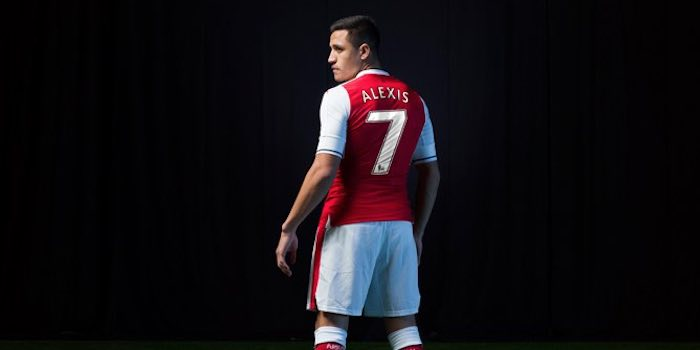 low priced e51c3 2beaf Arsenal confirm Alexis shirt number change - Arseblog News ...