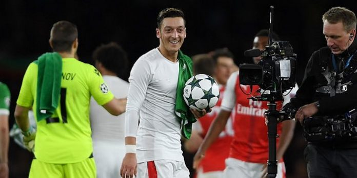 Mesut Ozil hat-trick